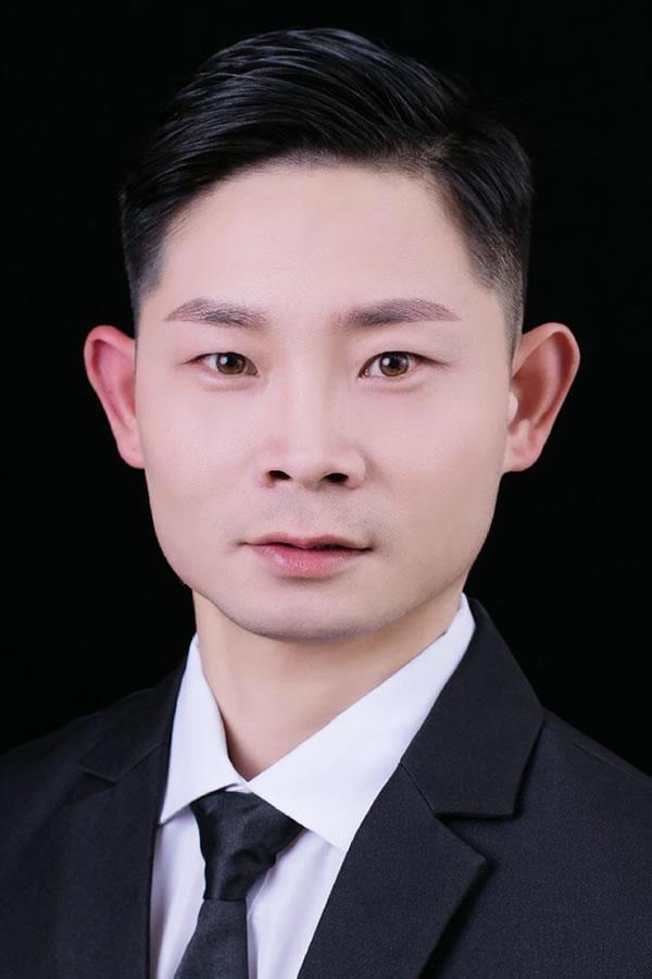 Chenyang Zuo